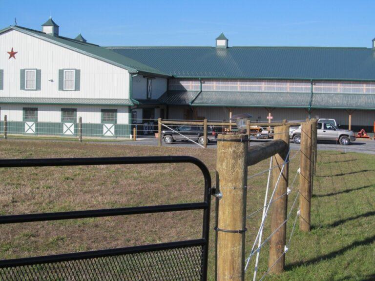 Close horse barn