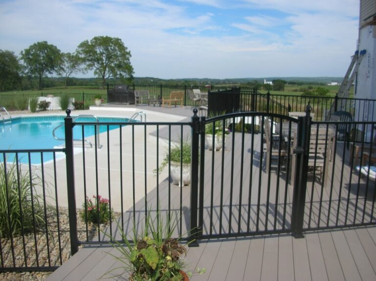 Black Pool Gate